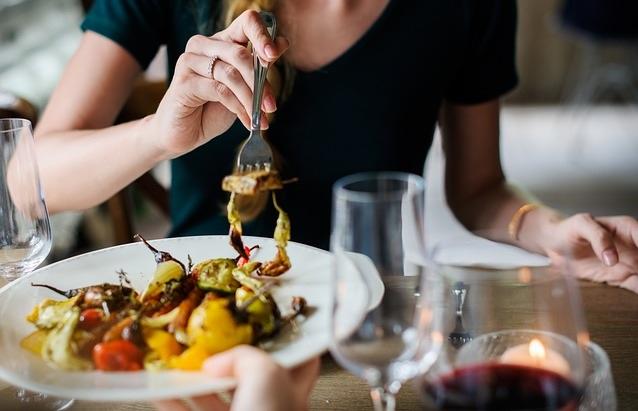 mastication-efficace-et-manger-lentement